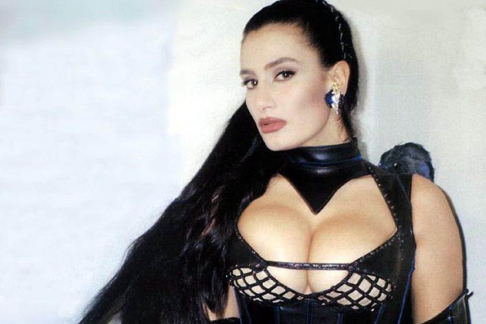 Страница Angela Cavagna на сайте официального букинг-агента Bnmusic