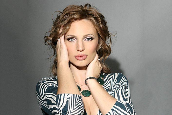 Алла Довлатова (Русское Радио) - заказать концерт в BnMusic