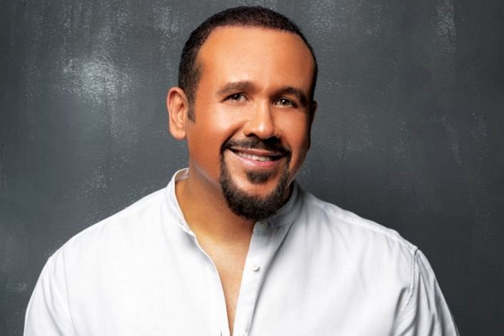 Hisham Abbas - страница на официальном сайте агента