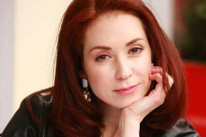 Анна Большова - заказать на корпоратив