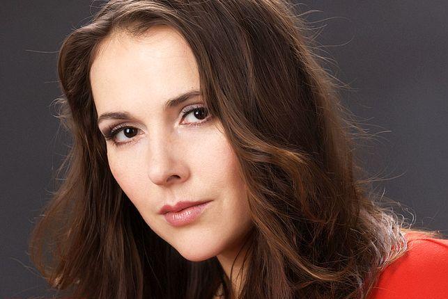 Елена Панова - пригласить на праздник в букинг-агентстве BnMusic
