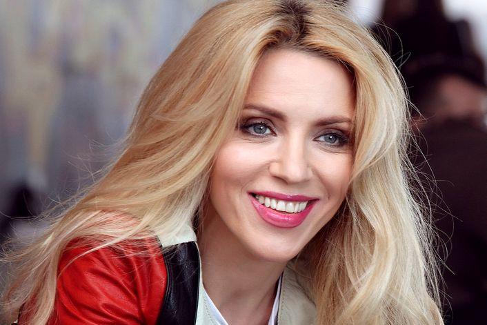 Людмила Соколова - пригласить на праздник в букинг-агентстве BnMusic