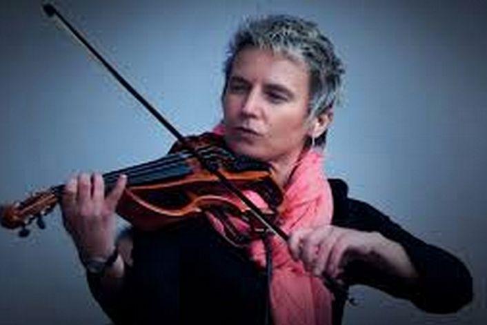 Сурганова и оркестр - организуем выступление артиста на вашем празднике