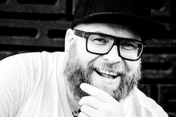 Alex M.O.R.P.H. - пригласить на праздник в букинг-агентстве BnMusic