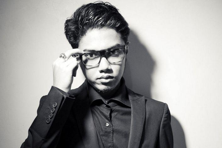Angger Dimas - заказать на корпоратив